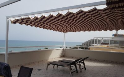 Conjuntos de toldos planos en terraza viviendas en Castellon y Oropesa