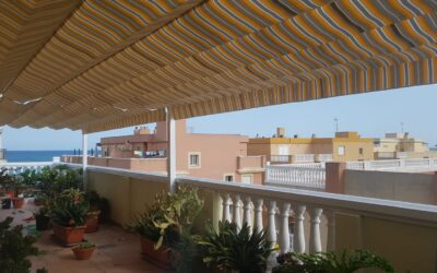 Toldos planos 10,00m de linea x 3,00m de salida en Playa de Moncofar