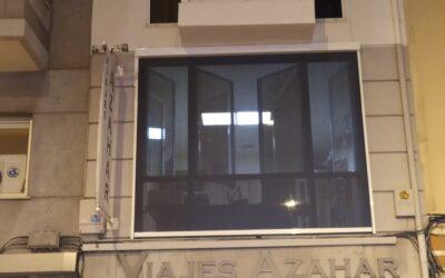 Windscreen de Saxun con tejido Soltis 92 y Somfy en Castellón